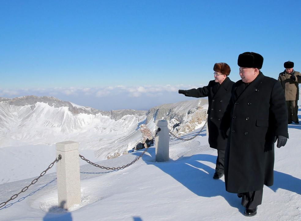 Kim Jong-un em sua visita ao Monte Paektu — Foto: AFP/KCNA