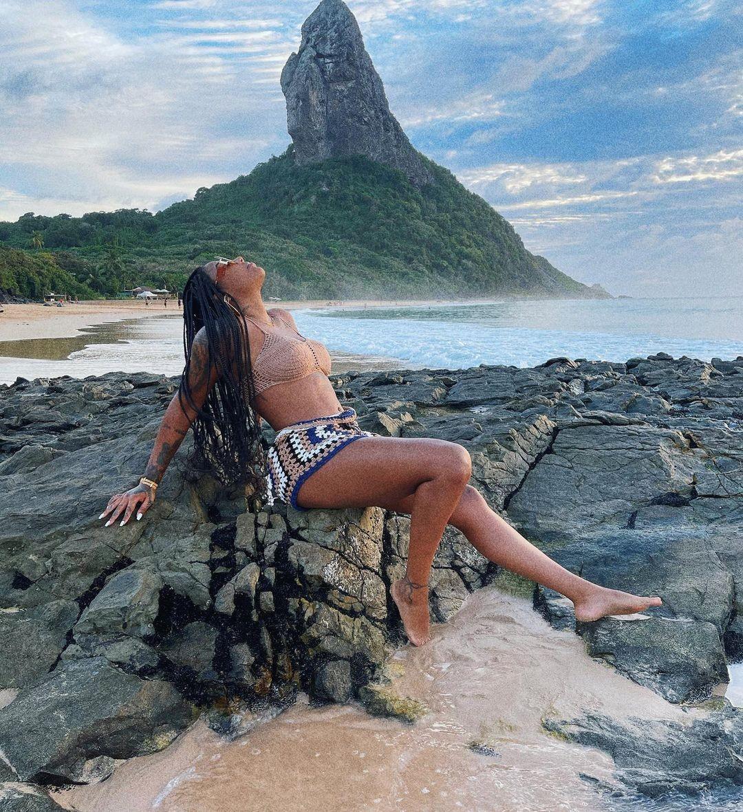 Ludmilla e esposa, Brunna, abrem álbum de viagem para Fernando de Noronha -  GQ | Celebridades