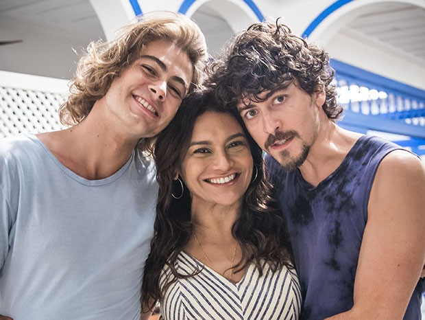 O trio de Verão 90: Rafael Vitti, Dira Paes e Jesuíta Barbosa  (Foto: João Cotta/Globo)