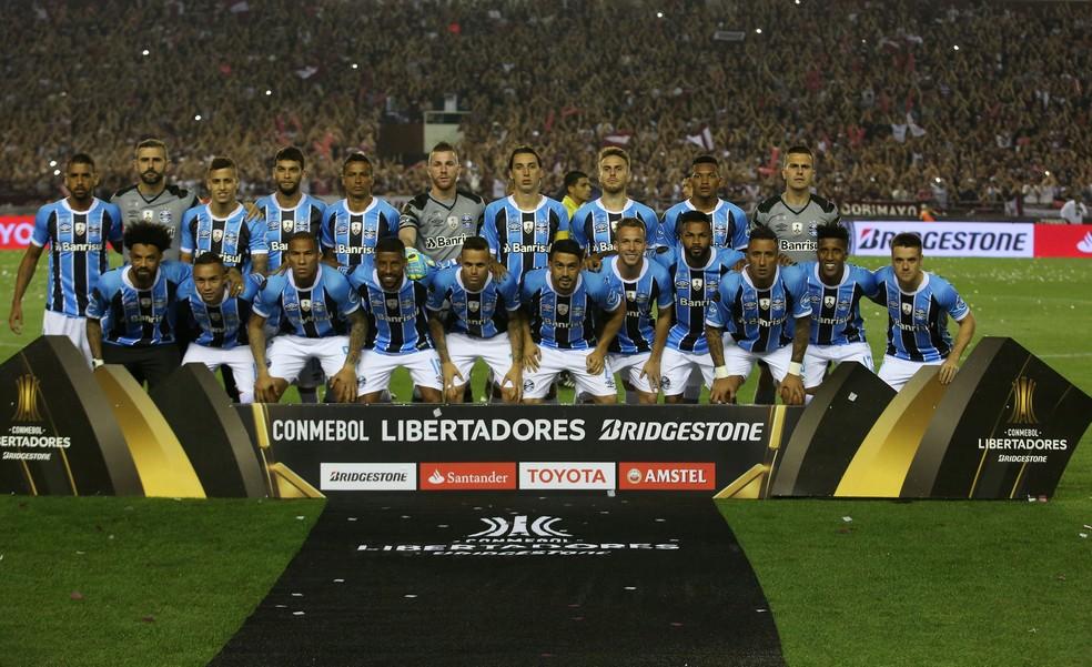 Elenco do Grêmio na decisão em Lanús — Foto: REUTERS/Agustin Marcarian
