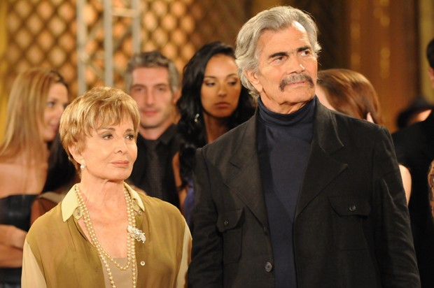 Copola (Tarcísio Meira) e Irene (Gloria Menezes) em A Favorita (Foto: TV Globo / Frederico Rozario)