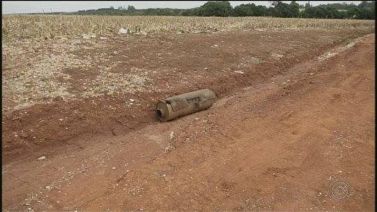 Adolescente morre em Itapeva após bater carro que dirigia em caminhão