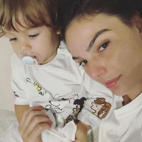 Isis Valverde com o filho, Rael (Foto: Arquivo pessoal)