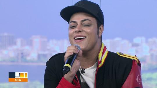 Rodrigo Teaser faz show lembrando os 10 anos de morte de Michael Jackson