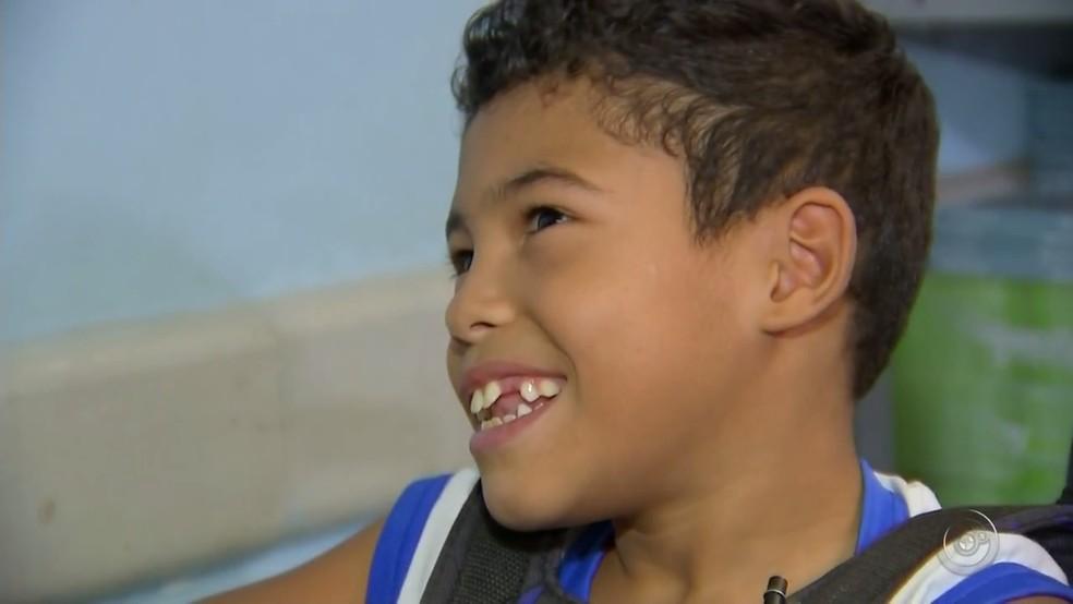 Kauã Henrique da Silva Fortunato, de 9 anos, nasceu com paralisia cerebral (Foto: Reprodução/TV TEM)