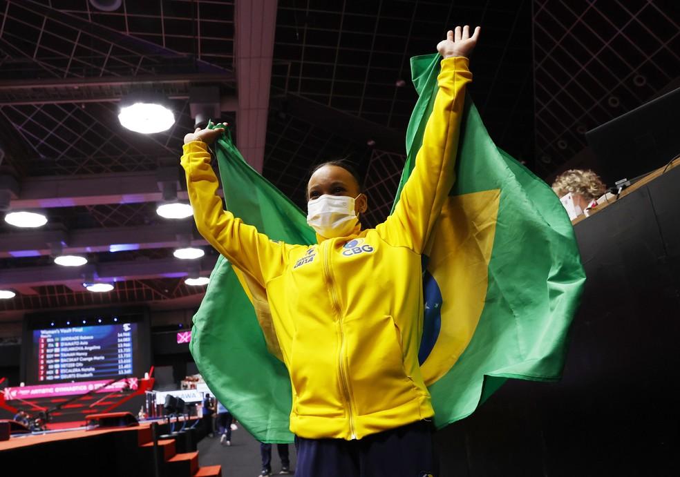Rebeca Andrade celebra férias após medalhas no Mundial: Ansiosa