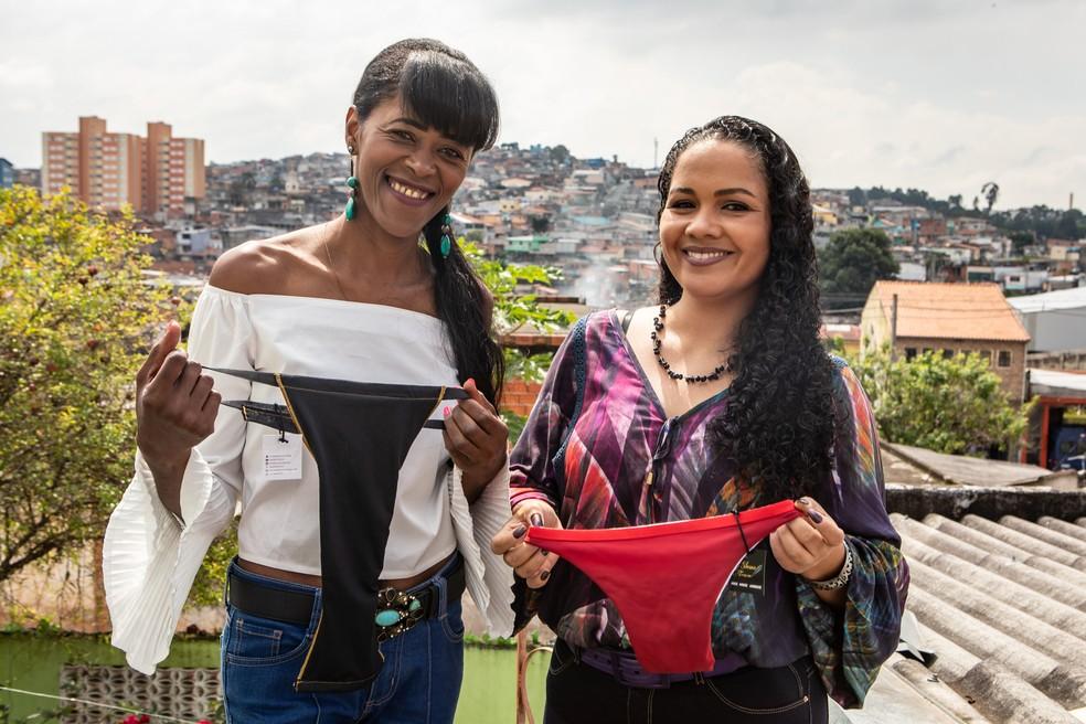 Silvana da Silva com a designer de modas Renata Cintia Martins — Foto: Fábio Tito/G1