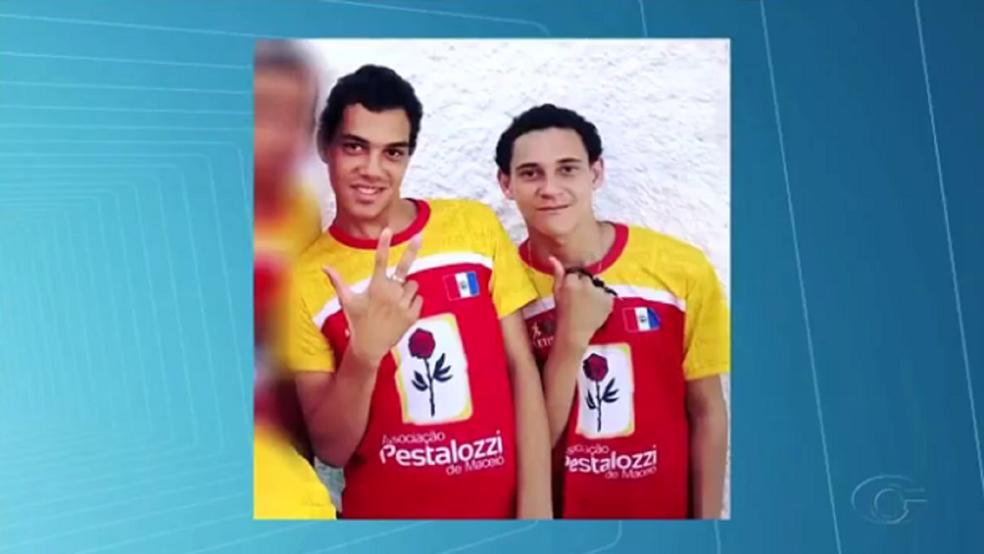 Josivaldo Ferreira Aleixo e Josenildo Ferreira Aleixo foram mortos em 2016, durante uma ação da polícia; na ocasião, também morreu o pedreiro Reinaldo da Silva Ferreira (Foto: Reprodução/TV Gazeta)