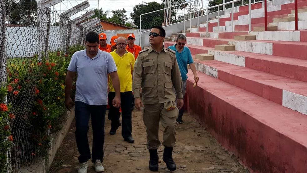 Vistoria na Arena Ytacoatiara — Foto: Clemilton Silva/Repórter10.com