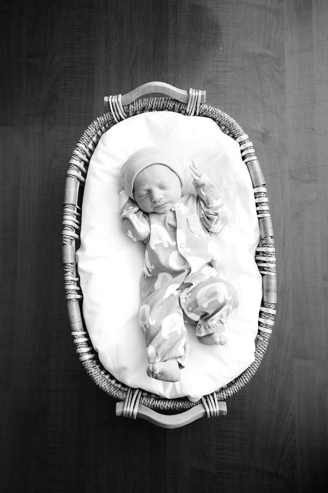 O filho de Bo Smith, dias após o nascimento (Foto: Reprodução Facebook)
