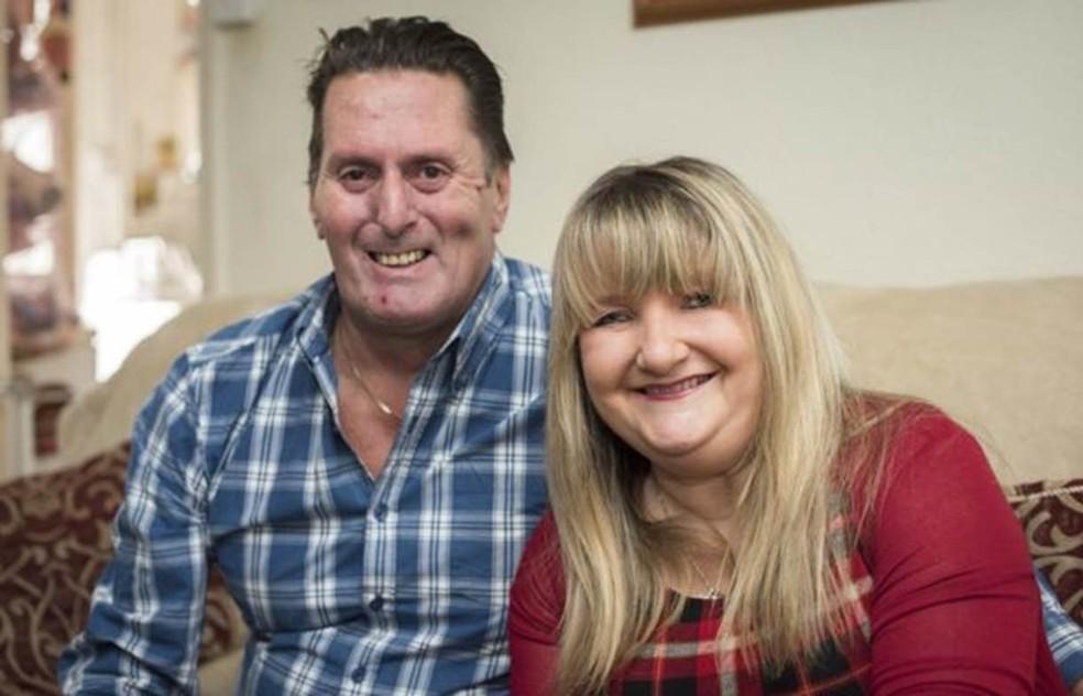 Rachel e o marido, Gary (Foto: Divulgação/BBC)