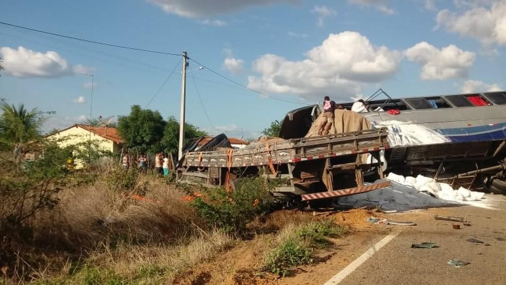 Acidente com ônibus de romeiros deixa mortos e feridos em Campos Sales — Foto: Arquivo pessoal