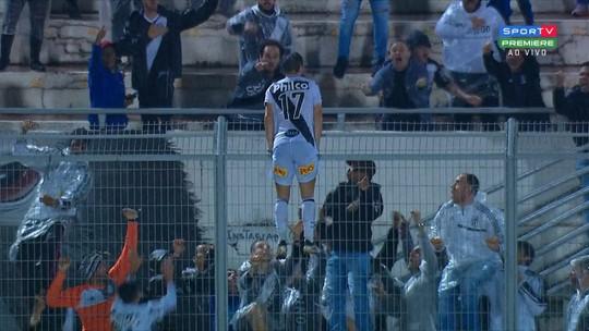 """Jorginho festeja """"fim da zica"""" após primeira vitória da Ponte Preta e exalta Longuine: """"Jogador genial"""""""