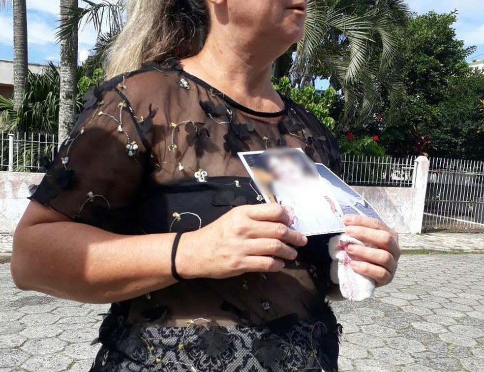 Avó conta como neta foi agredida por irmão dela em Navegantes (Foto: Patrícia Silveira/NSC TV)
