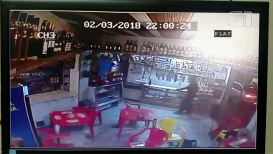 PMs são presos suspeitos chacina no RJ; vídeo mostra o crime