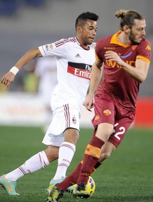 Milan demora a reagir e cai para o Roma na despedida de Robinho