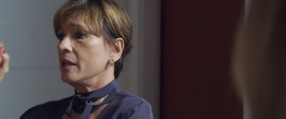 Kiki muda de visão sobre as atitudes de Nanda e deixa isso bem claro para Cora: (Foto: TV Globo)