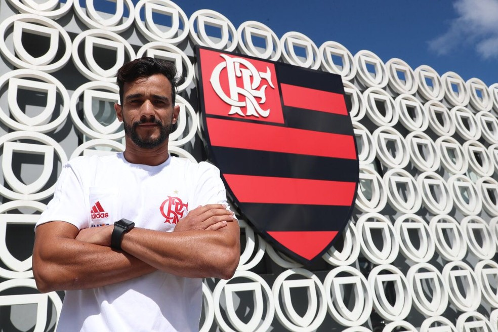 Henrique Dourado no CT do Flamengo (Foto: Gilvan de Souza )