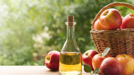 Tempero saudável: aprenda a fazer vinagre de maçã em casa