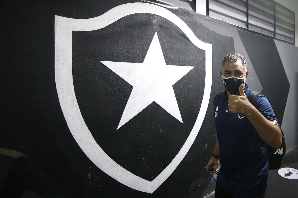Chamusca foi escolhido pela experiência na Série B — Foto: Vitor Silva/Botafogo