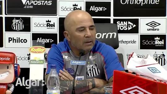 """Sampaoli lamenta ausência de Cueva e projeta dificuldades contra o Botafogo: """"Rival forte"""""""