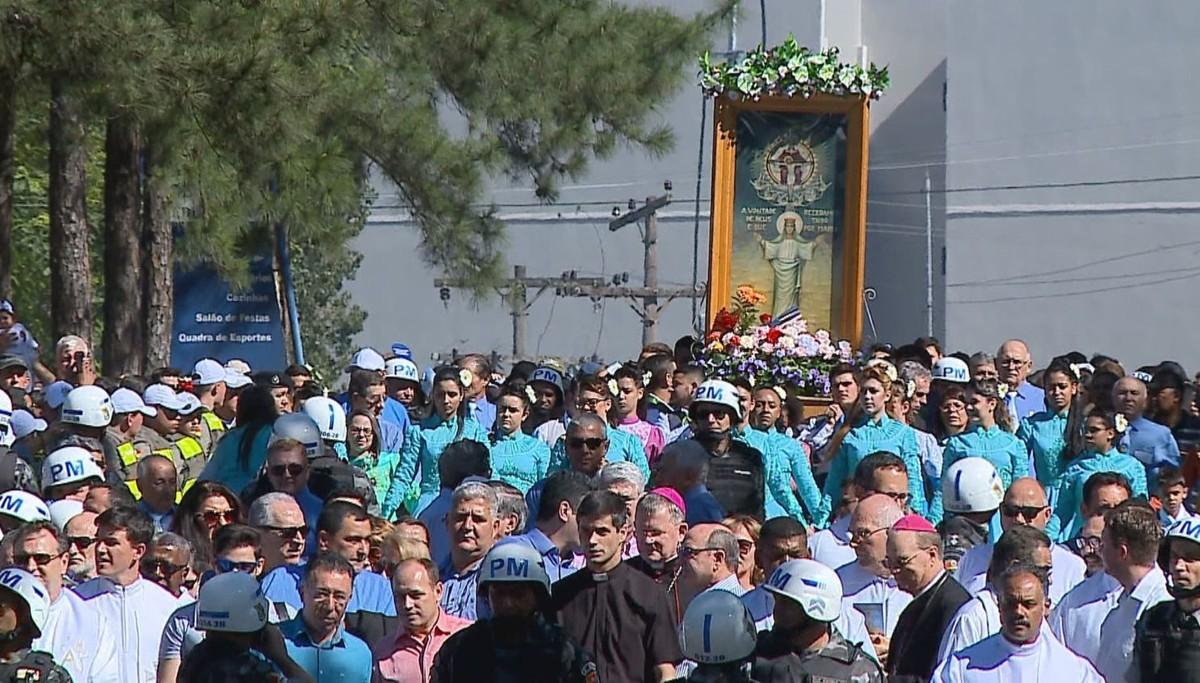 Milhares de fiéis participam da romaria de Nossa Senhora Medianeira em Santa Maria