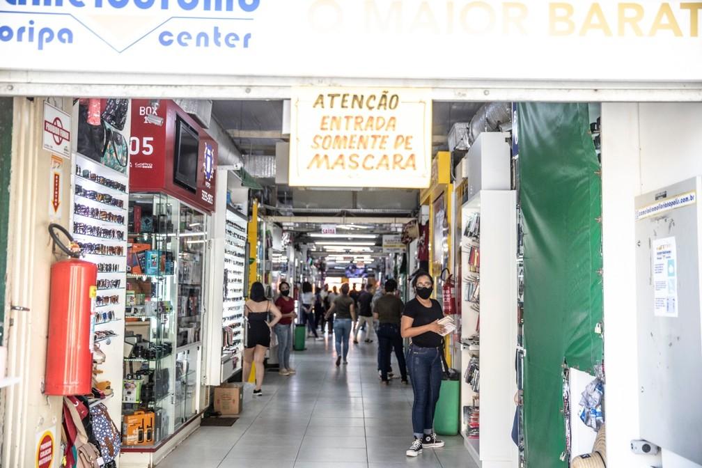 Galerias, centros comerciais e shoppigns devem ficar fechados por 14 dias; camelódromo municipal de Florianópolis está entre os locais afetados — Foto: Diorgenes Pandini/NSC