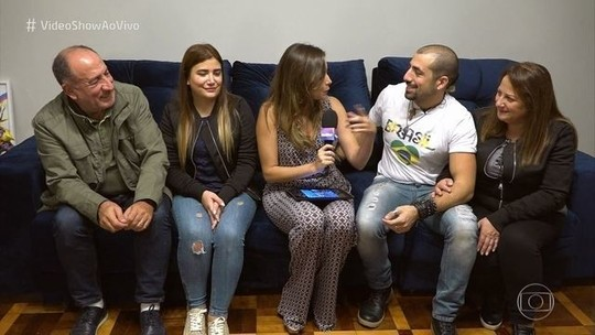 Ex-BBB Kaysar reencontra família síria sete anos depois: 'Quero comer a comida da minha mãe'