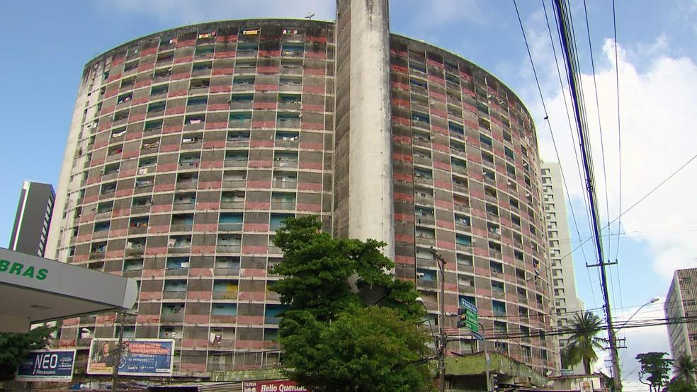 Edifício Holiday, no Recife, foi construído em 1957 — Foto: Reprodução/TV Globo