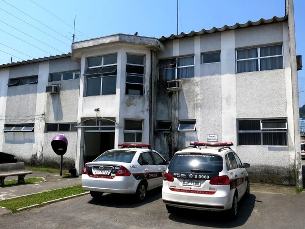 Motorista foi orientado a realiza exame no IML de Santos (Foto: Orion Pires / G1)