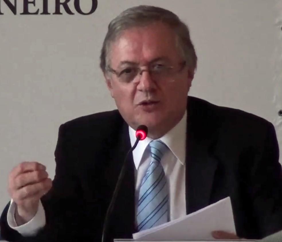 O professor Ricardo Velez Rodriguez, escolhido ministro da Educação pelo presidente Jair Bolsonaro — Foto: Reprodução / YouTube