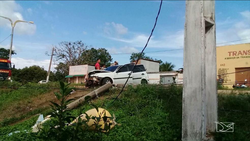 -  Veículo causa destruição na Avenida Integração Laranjeiras  Foto: Reprodução/TV Mirante