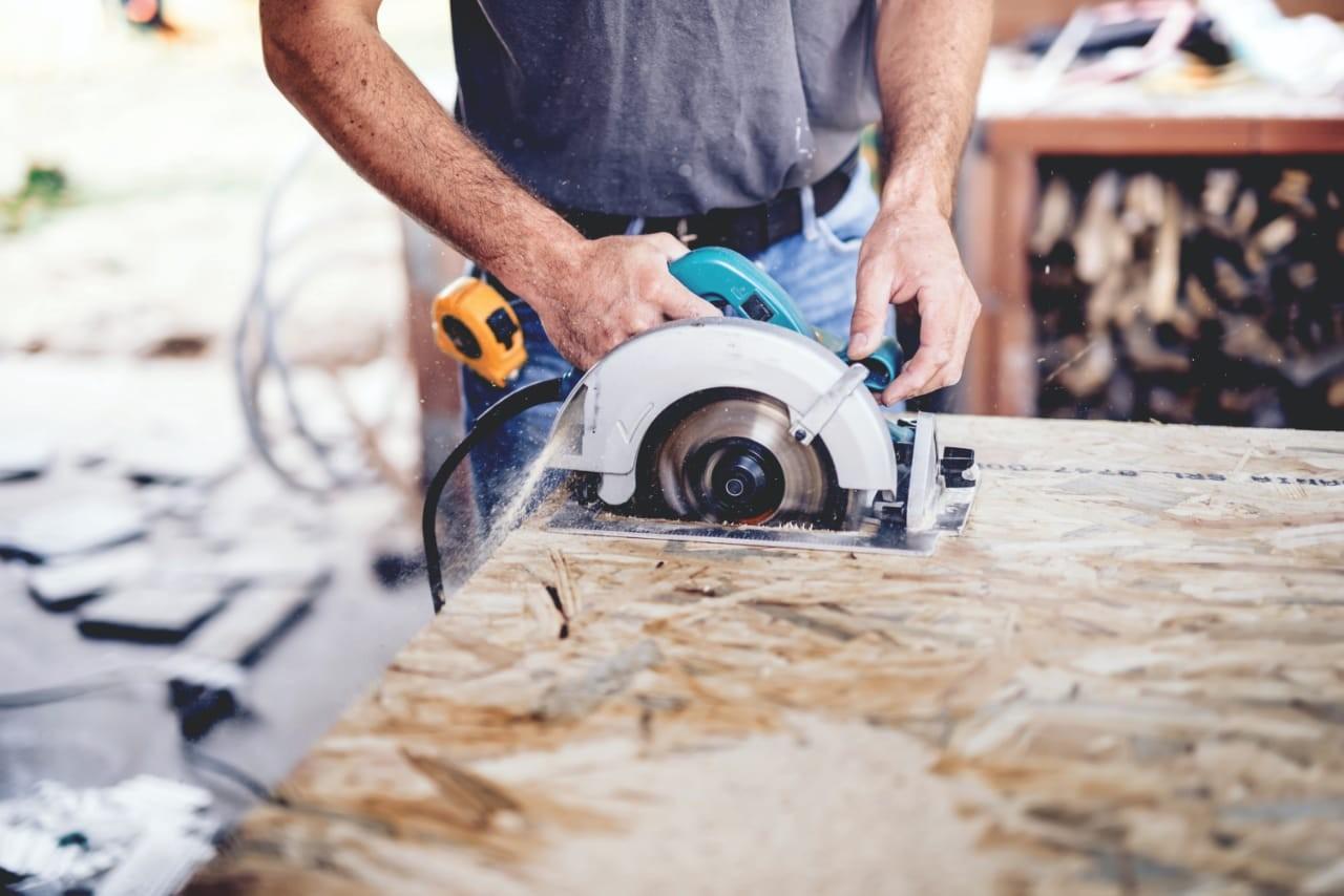 Rede de loja oferece cursos gratuitos  de pintura, reforma e construção civil