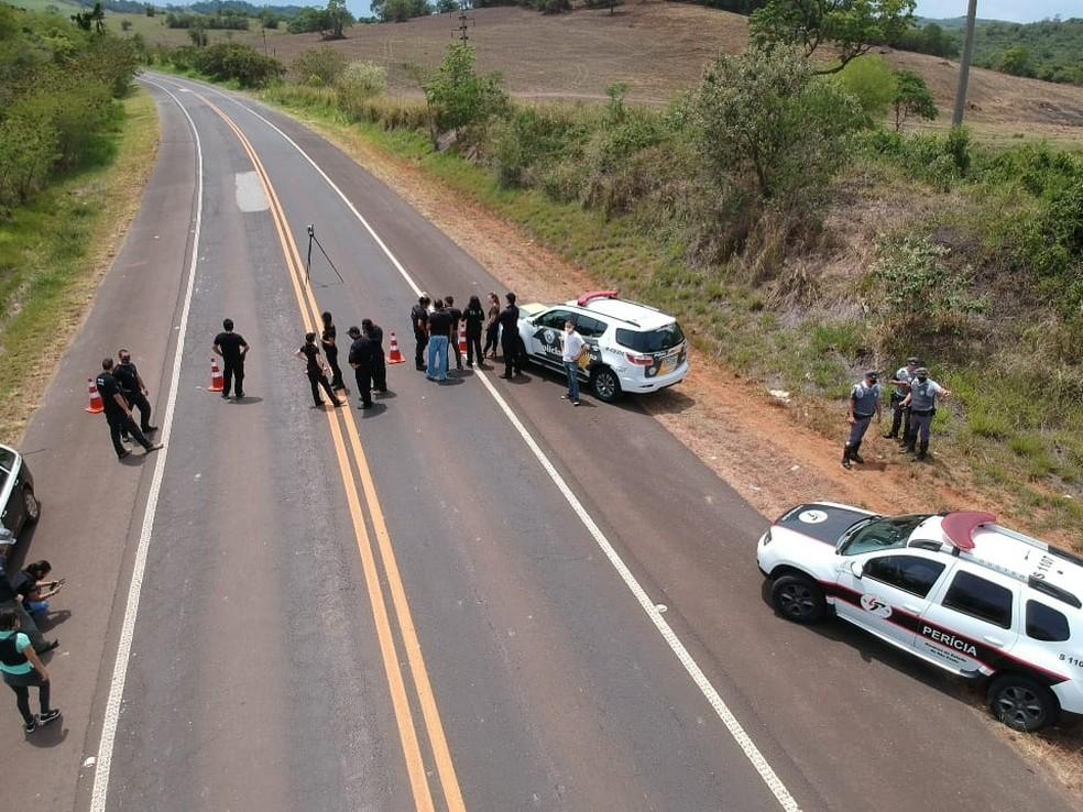 Perícia foi realizada no local do acidente que deixou dezenas de mortos em Taguaí (SP) — Foto: Arquivo Pessoal