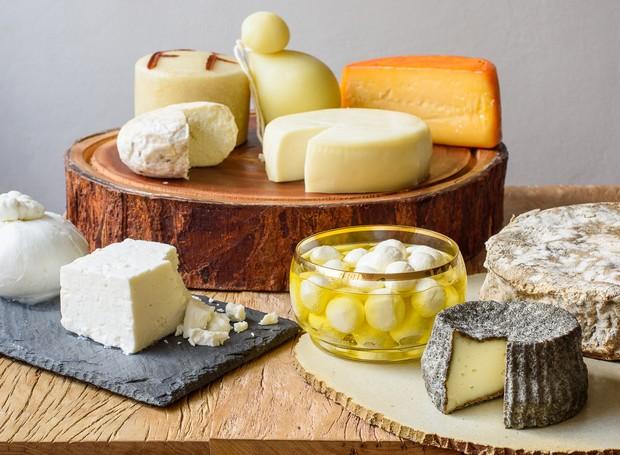 Queijos gordurosos podem ser bons para o colesterol, diz estudo