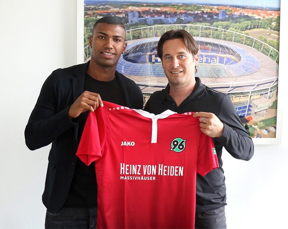Walace é o novo reforço do Hannover 96 (Foto: Divulgação/Hannover 96)
