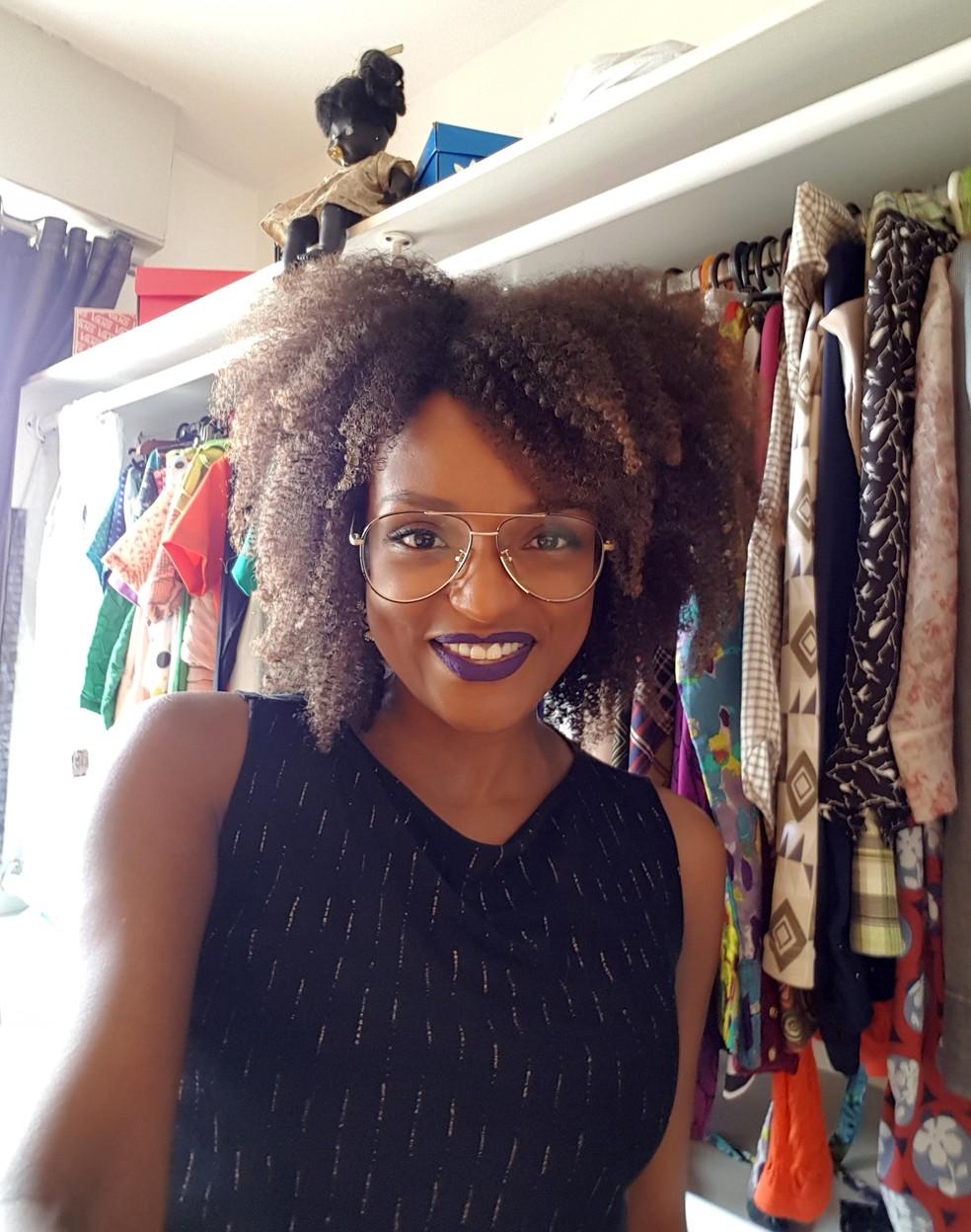 Nayara e seu armário lotado de roupaaasss!!! (Foto: Gshow)