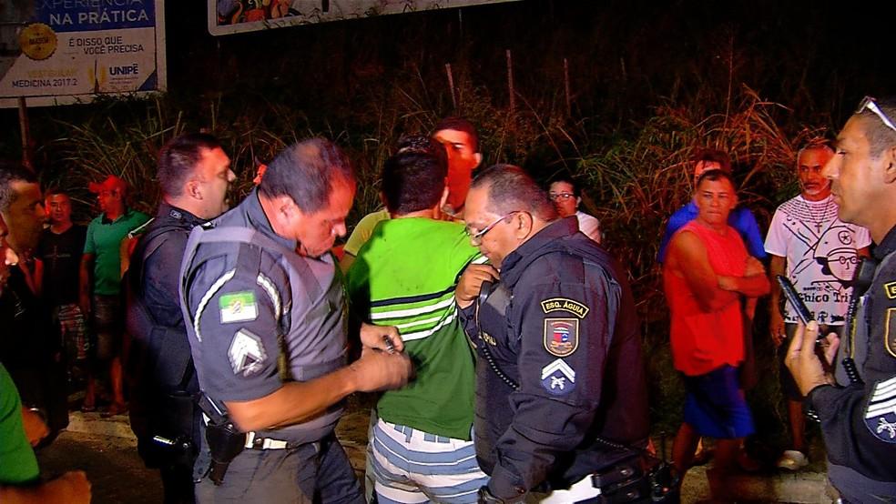 Embriagado, empresário tentou resistir à prisão  (Foto: Reprodução/Inter TV Cabugi)
