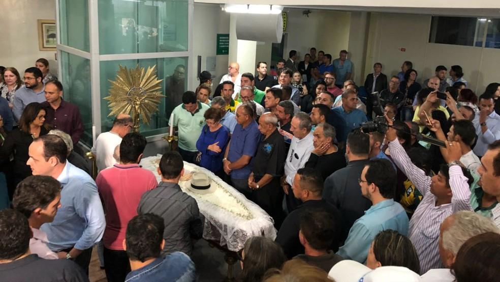 Velório do vereador Lula Cabral (PMB) acontece na Câmara Municipal de Campina Grande (Foto: Gustavo Xavier/TV Paraíba)