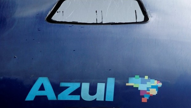 Logo da companhia aérea brasileira Azul é visto no aeroporto de Viracopos, em Campinas (Foto: Paulo Whitaker/Reuters)