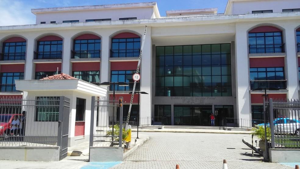 Julgamento ocorreu no fórum de Cabo Frio, no RJ  — Foto: Marcelo Cristian/ Inter TV