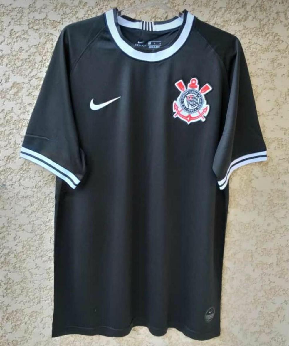 5ef806ea6acc5 Corinthians deve estrear camisa em homenagem a Ronaldo no feriado de ...