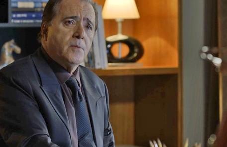 Na quinta-feira (21), Olavo descobrirá que as fórmulas de Marcos Paulo (Nany People) são falsas. TV Globo