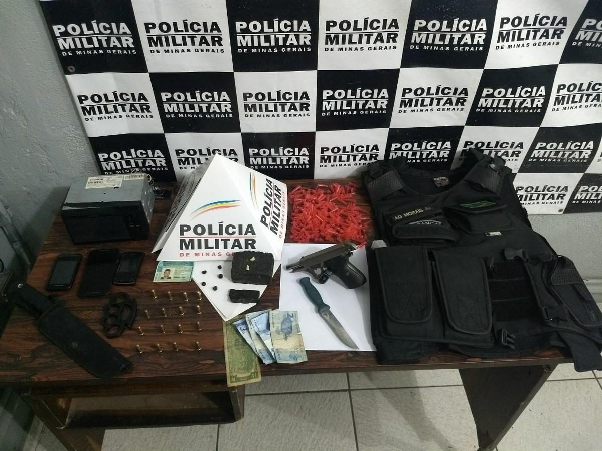 Drogas, arma e munições são apreendidas durante Operação 'Saturação' em Divinópolis