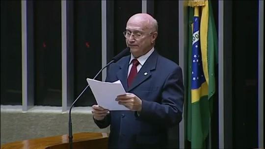 Serraglio diz que foi pressionado por Aécio e Renan quando era ministro da Justiça