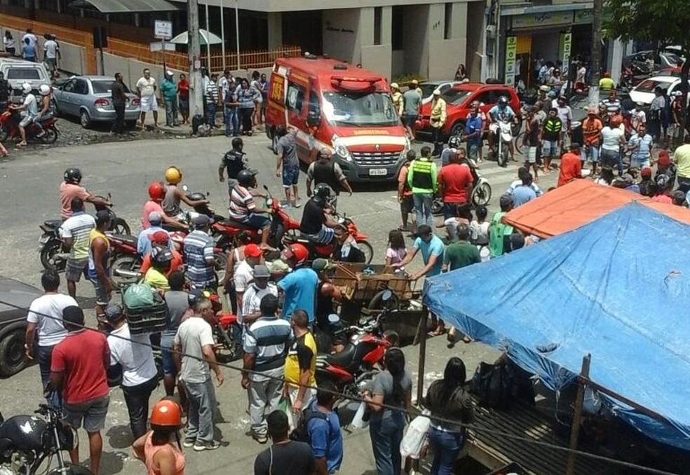 Ex-policial é assassinado dentro de feira em Guarabira, no Brejo da Paraíba (Foto: Pedro Júnior/ Divulgação )