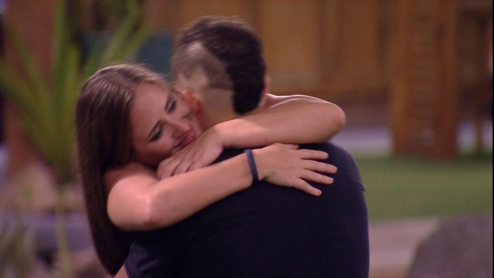 Patrícia e Kaysar no 'BBB18' (Foto: Reprodução/TV Globo)