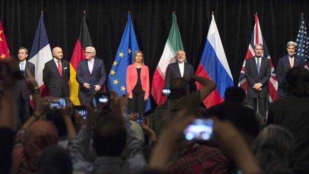 Além dos EUA e do Irã, o acordo foi assinado pela Rússia, China, Reino Unido, França e Alemanha (Foto: AFP via BBC)