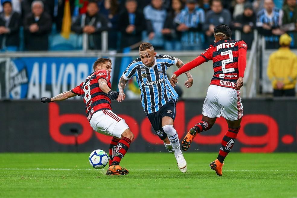 Everton foi observado por olheiros europes no jogo contra o Flamengo (Foto: Lucas Uebel/Divulgação Grêmio)
