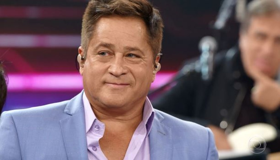 Leonardo se emociona com homenagem do Domingão para Leandro — Foto: Globo